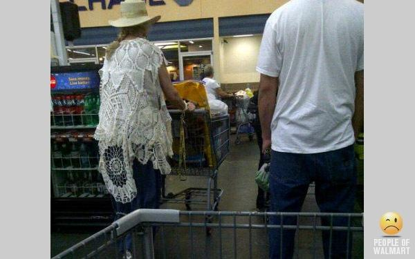 Funny People Shopping in WalMart Part 34_4