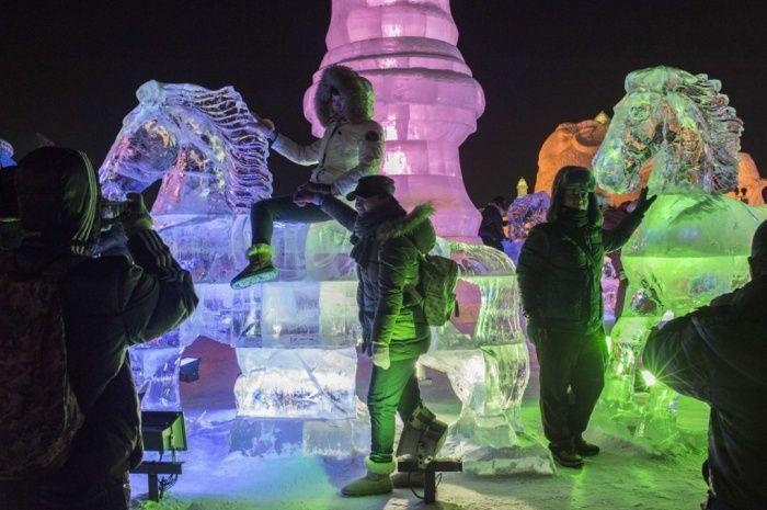 As esculturas surpreendentes do 2015 Harbin Ice E Festival de Neve (11)
