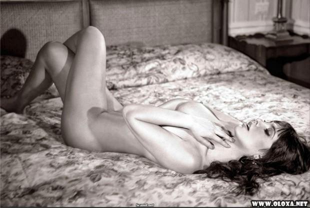 Leia Freitas pelada na Playboy do México 27
