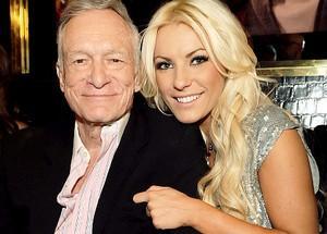 Hefner e sua atual namorada, quase 60 anos mais nova que ele