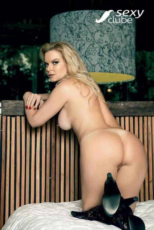 Laura Karasczuk nua na revista da sexy especial - Ex de Dirceu 45