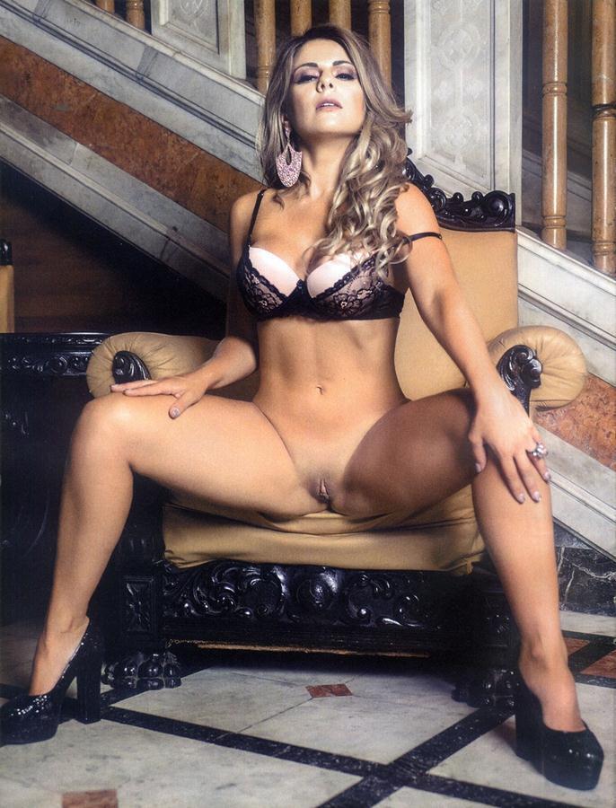 Vanessa Perez e Luanda Fraga nuas na Revista Sexy - Janeiro 61