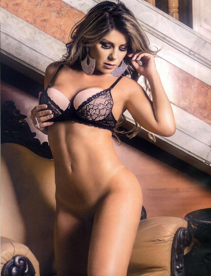 Vanessa Perez e Luanda Fraga nuas na Revista Sexy - Janeiro 53