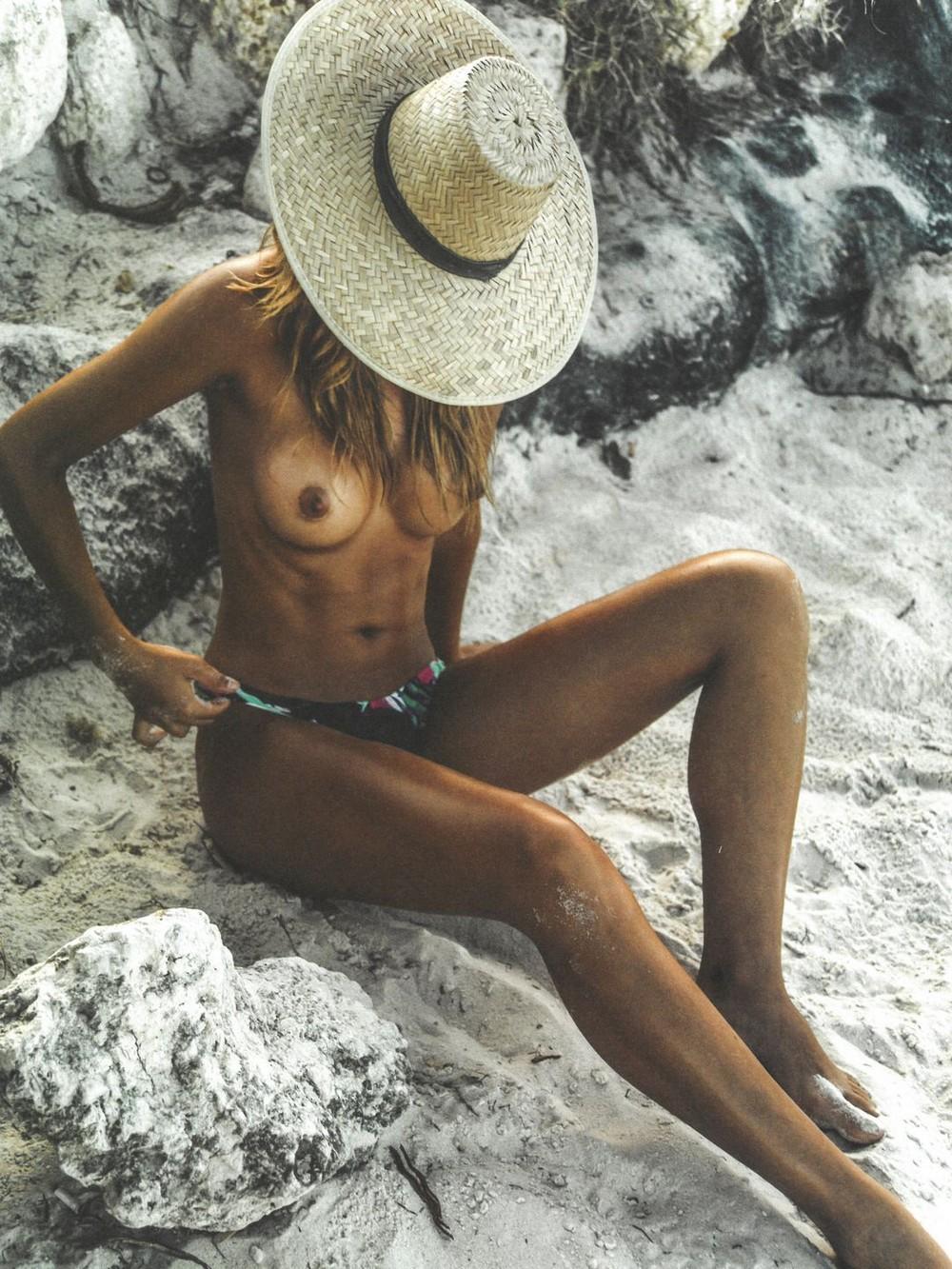 Sandra Kubicka em um ensaio fotográfico sensual 12