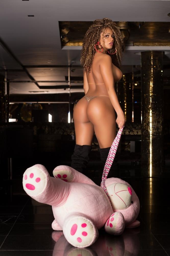 Erika Canela modelo brasileira em ensaio sensual 64