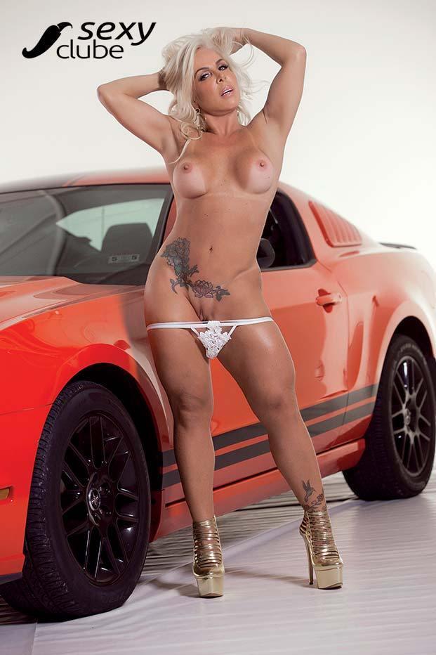 Rosana Menezes uma loira muito gostosa nua na Revista Sexy 44