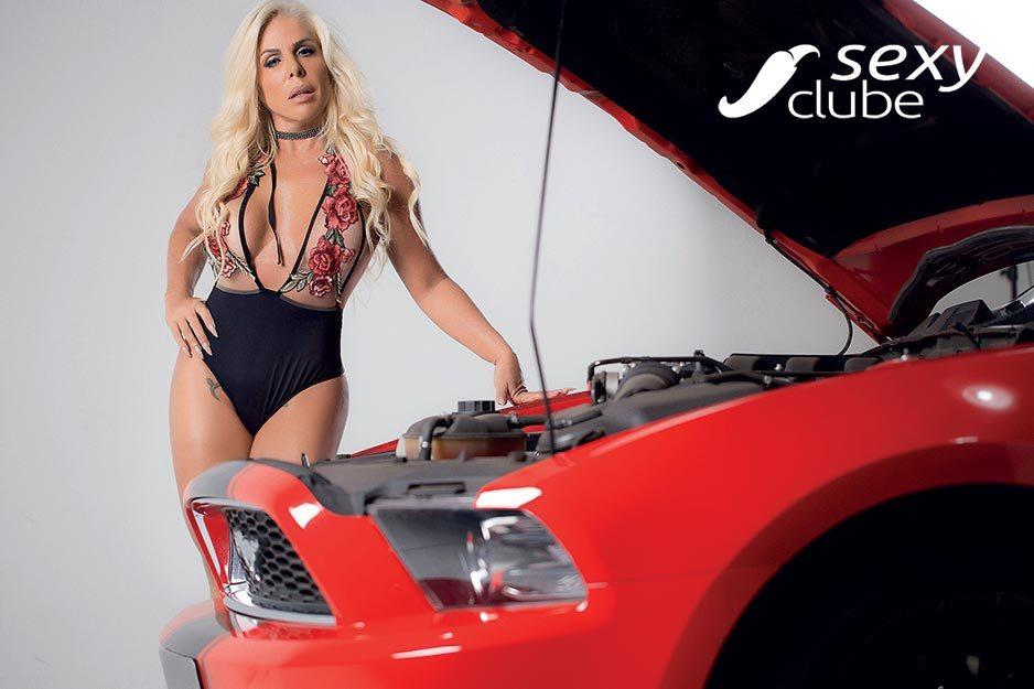 Rosana Menezes uma loira muito gostosa nua na Revista Sexy 36