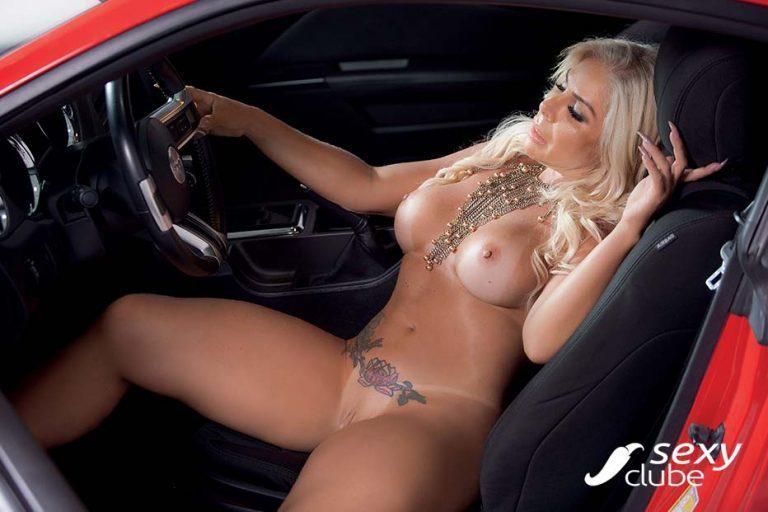 Rosana Menezes uma loira muito gostosa nua na Revista Sexy 64