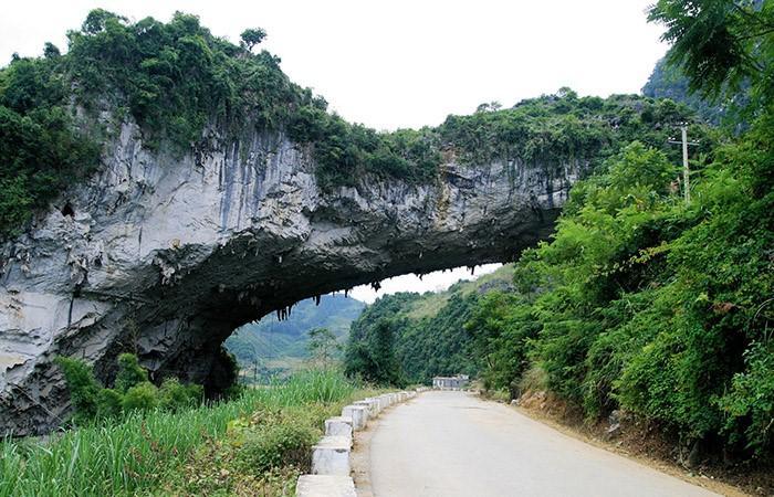 Alguns arcos perfeitos e incríveis feito pela natureza 8