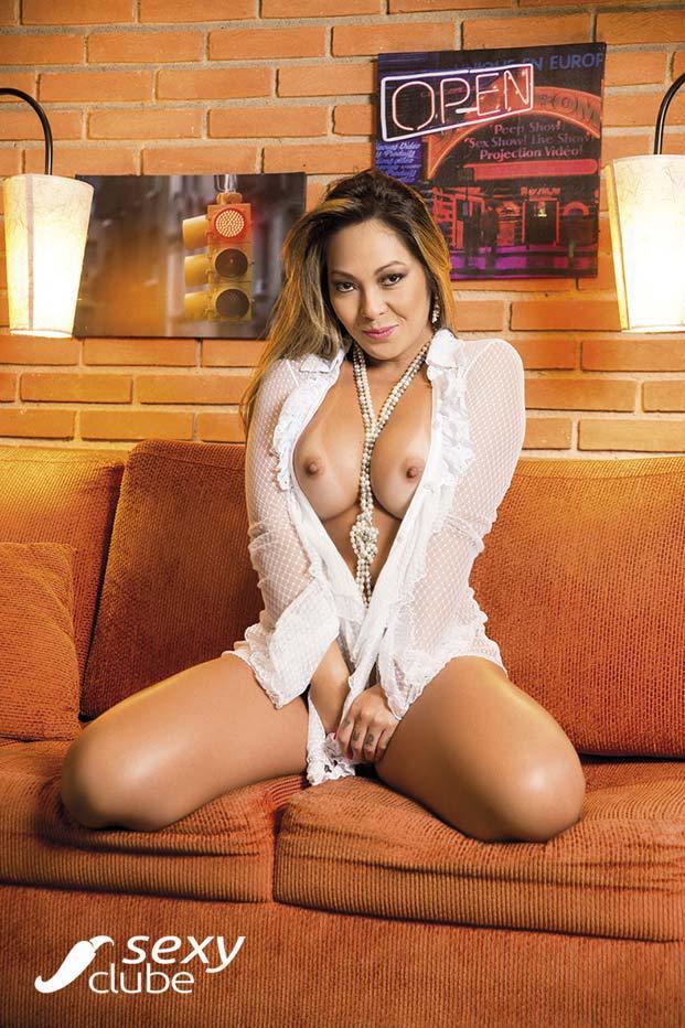 Elga Shitara pelada e muito sensual na Sexy Clube