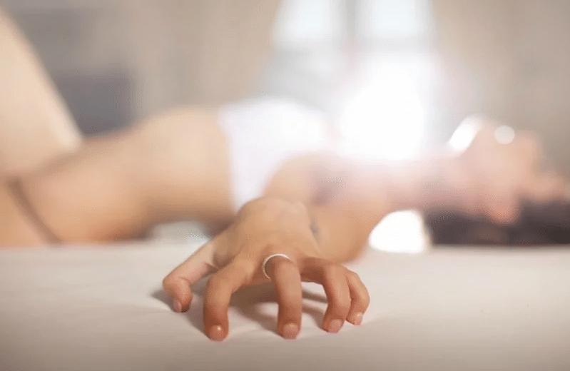 Pesquisas mostram como ter dedos mágicos para masturbar uma mulher
