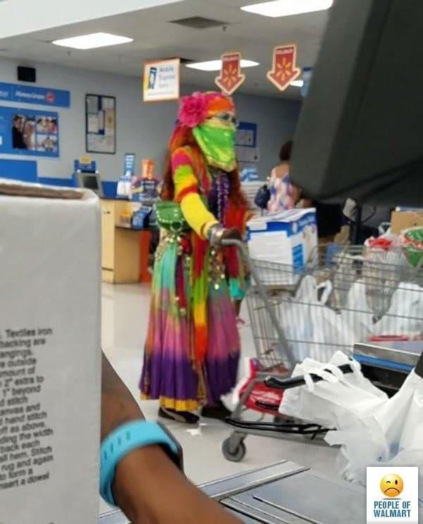 Clientes bizarros do Walmart pelo mundo Clientes bizarros do Walmart pelo mundo 12