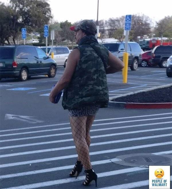 Clientes bizarros do Walmart pelo mundo Clientes bizarros do Walmart pelo mundo 17