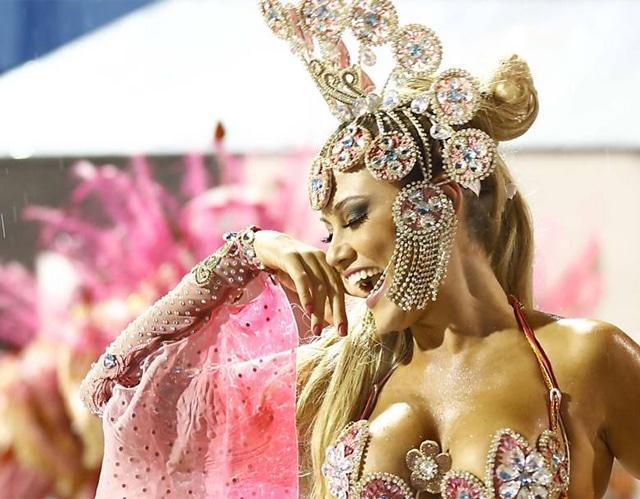 50 mulheres mais gostosas do carnaval 65