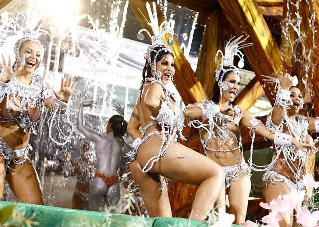 50 mulheres mais gostosas do carnaval 66
