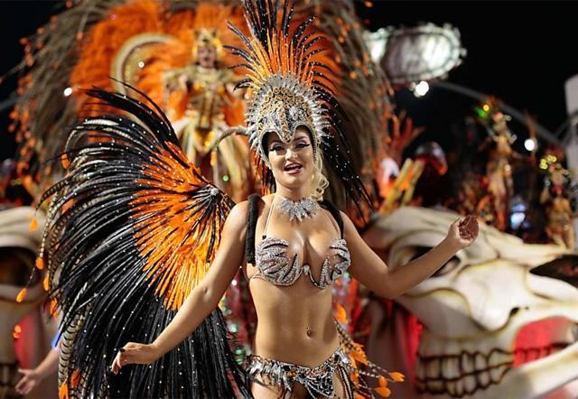 50 mulheres mais gostosas do carnaval 76