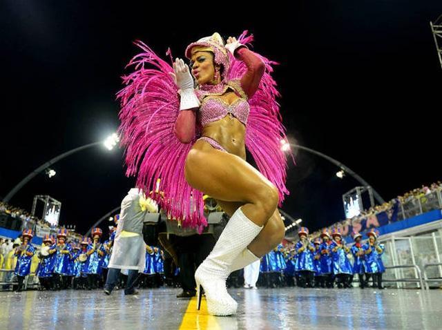 50 mulheres mais gostosas do carnaval 80