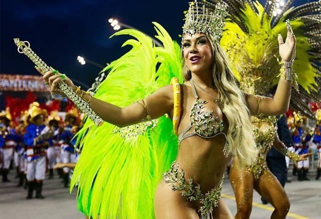 50 mulheres mais gostosas do carnaval 87