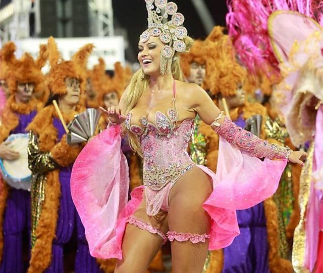 50 mulheres mais gostosas do carnaval 64