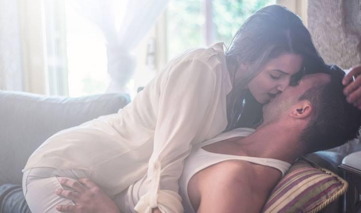 Como dar prazer sem dor na hora do sexo com o pênis grande