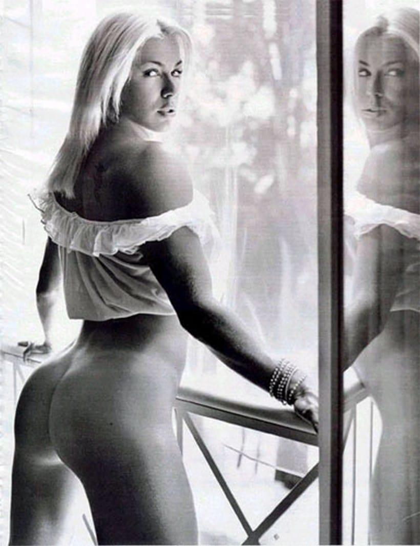 Fotos Playboy Joana Prado Feiticeira Abril 2002